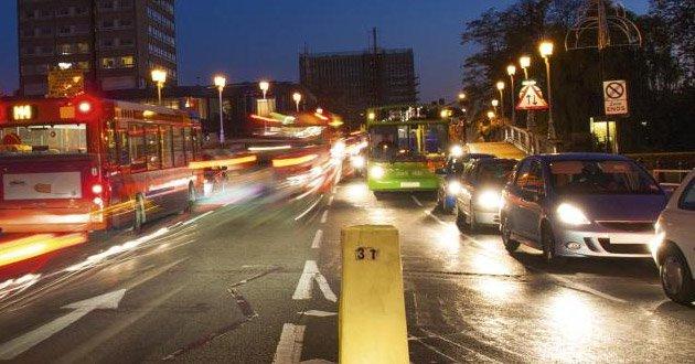 busy-city-traffic-night.jpg