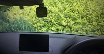 dashcam-mounted-windscreen.jpg