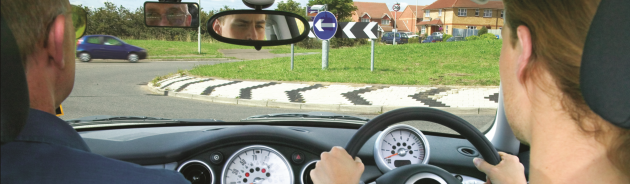 learner-waiting-at-roundabout.png