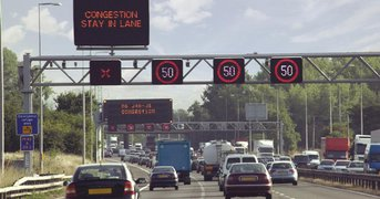 motorway-congestion-speed-limiter.jpg